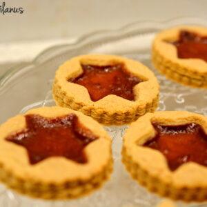 Biscotti macrobiotici ripieni alla confettura di visciole