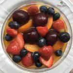 Crema al pistacchio e frutta estiva